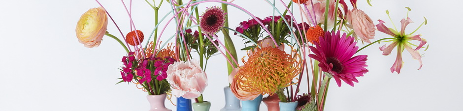 IFD_Flower_Trends_VibrantVibe_Rio_ElegantRanunculusTintedCraspedia
